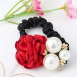 Gumička do vlasů s růží a perlami - červená
