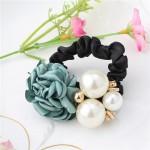 Gumička do vlasů s růží a perlami - zelená