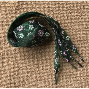 Módní tkaničky s kytičkami - zelené
